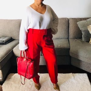White oversized ribbed sweater